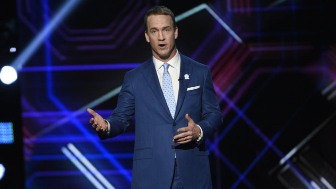 ESPYS recap: Peyton Manning roasts as host, while Michelle Obama promotes inclusion