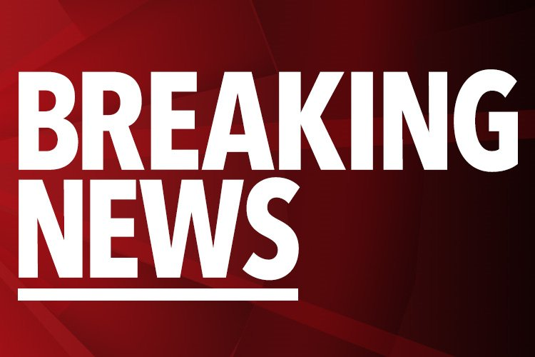 Edgware Road fire – Thick black smoke at shop and residential building near Marble Arch as six fire engines are called to the blaze