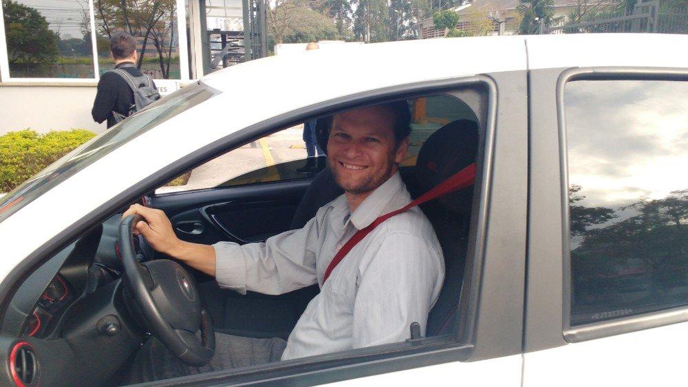 Ganho de taxistas e motoristas de apps de transporte cai com alta do combustível #G1