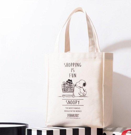 予告!8/28発売のGLOWの付録は、スヌーピーのBIGトートバッグ!ショッピングバッグやサブバッグとして、たくさんの荷