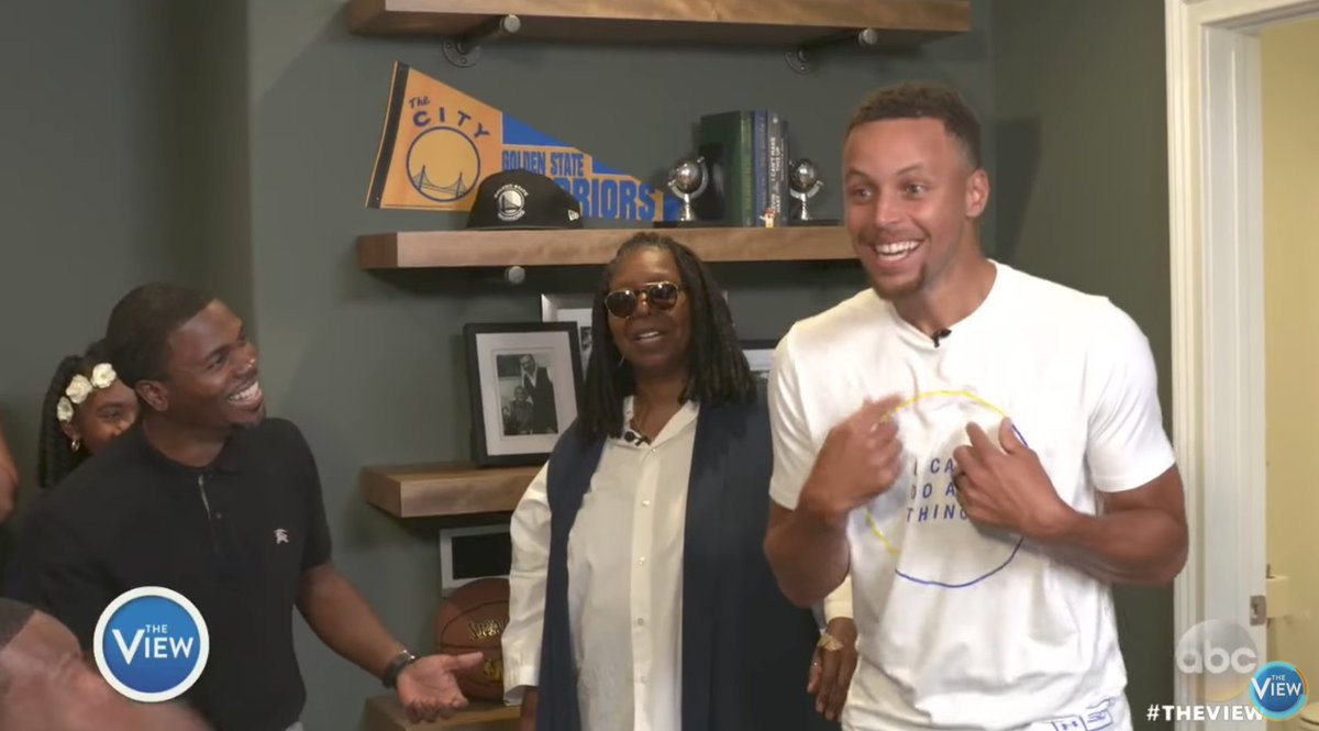 Steph surprises disabled veteran in family's new home. 🙏🏼🎥