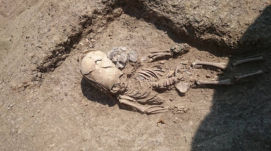 'Alien' toddler skeleton with deformed skull unearthed in Crimea (PHOTOS)
