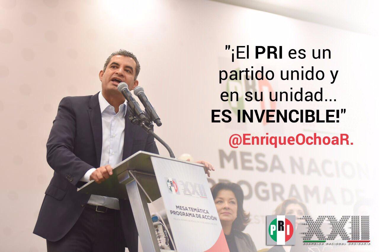 '¡El PRI es un partido unido y en su unidad... ES INVENCIBLE!', @EnriqueOchoaR. #TuVozPrimero #XXIIAsambleaNacional https://t.co/0SVN3156Go