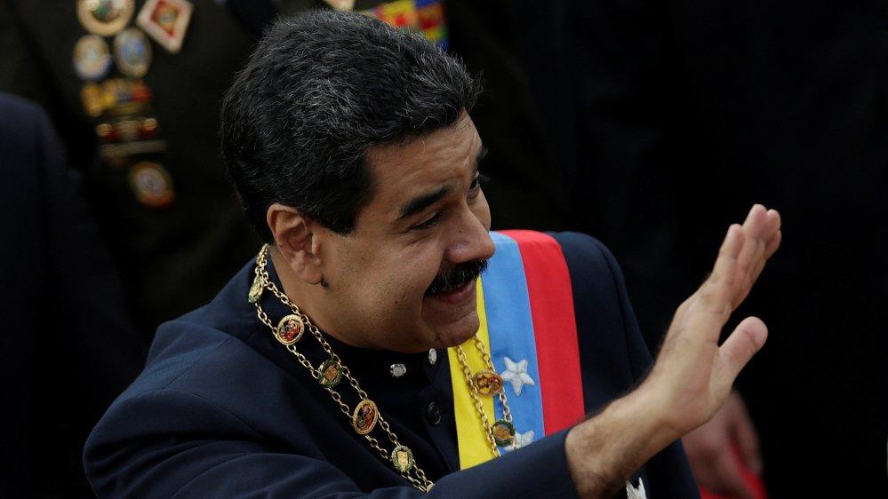 """Mr Donald Trump, here is my hand""  Venezuela's Maduro calls for talks with Trump"