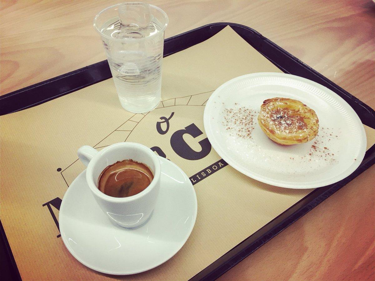 In transito #Lisboa #PastelDeNata #café
