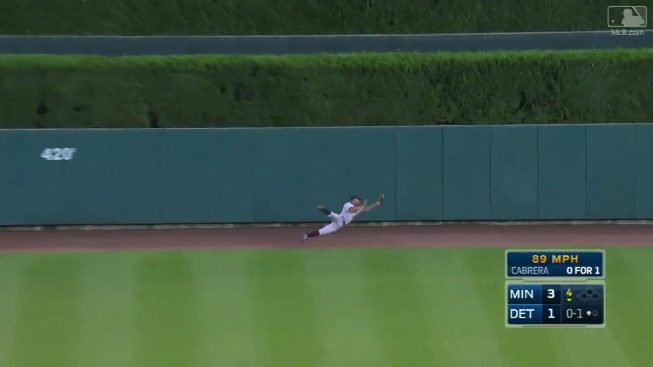 Is there anything @OfficialBuck103 can't catch?  (Still waiting.) https://t.co/BzgMhoRFtl