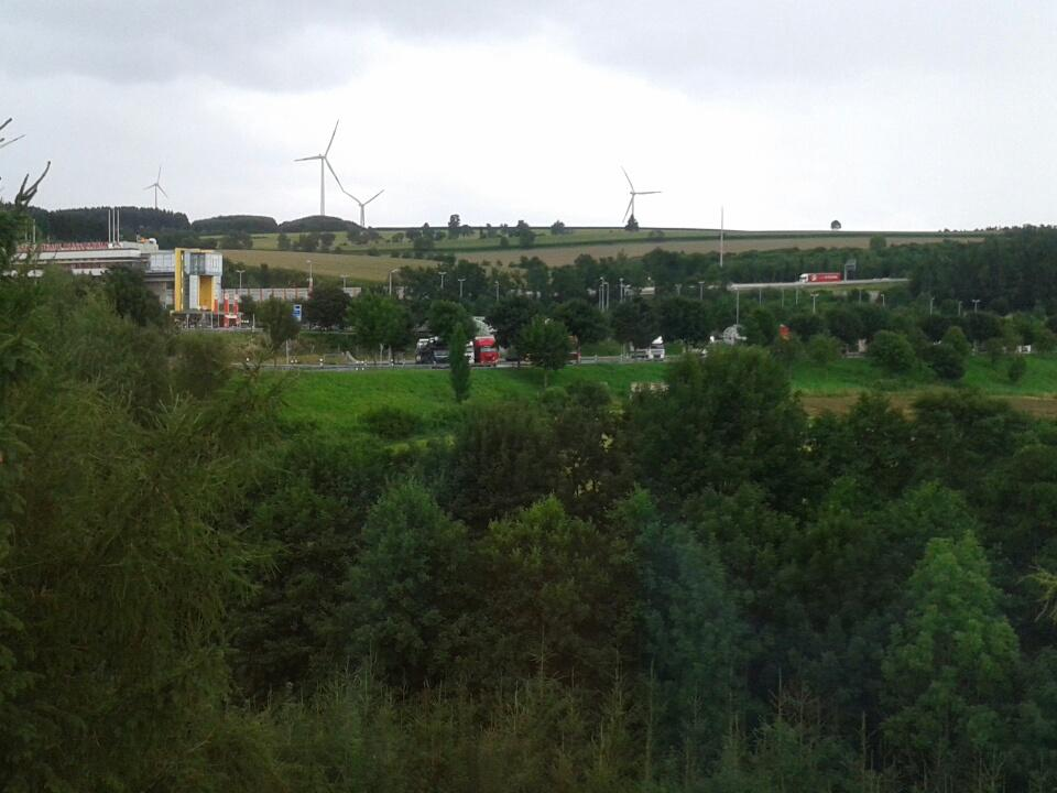 Hotel con vista Autobahn.