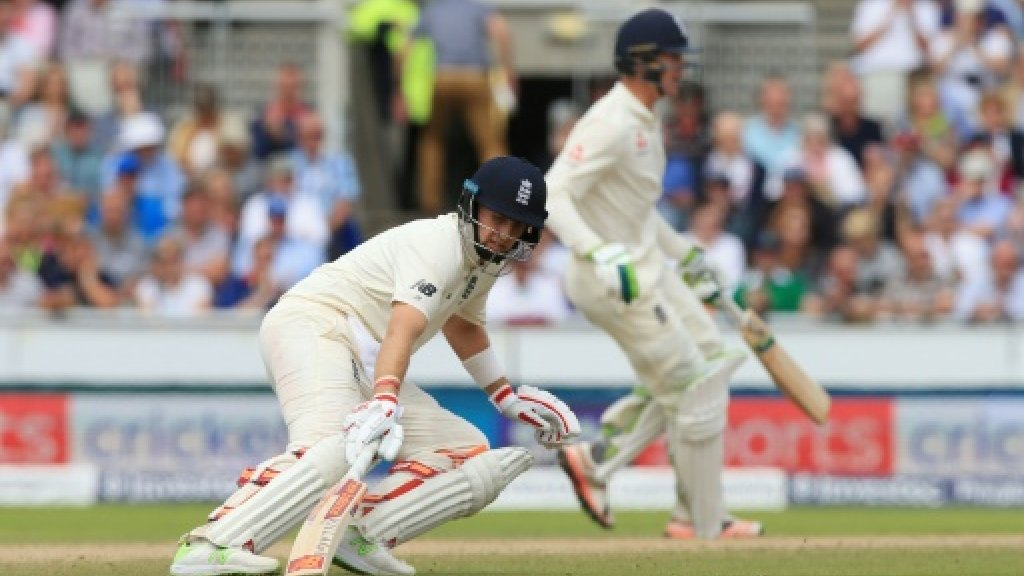 England 53-2, lead South Africa by 189 in 4th Test