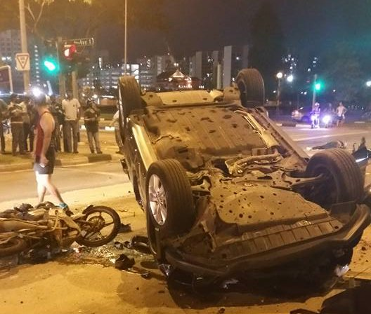 One dead in multi-vehicle crash along Woodlands Ave 12