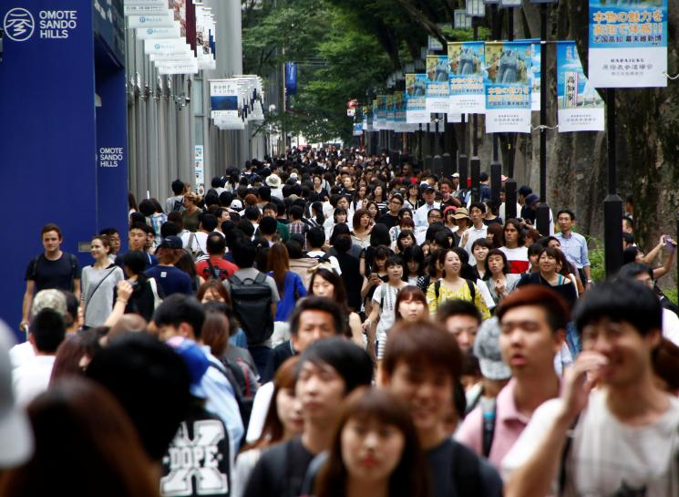 Japanese shoppers open their wallets, raising hopes for sustained revival