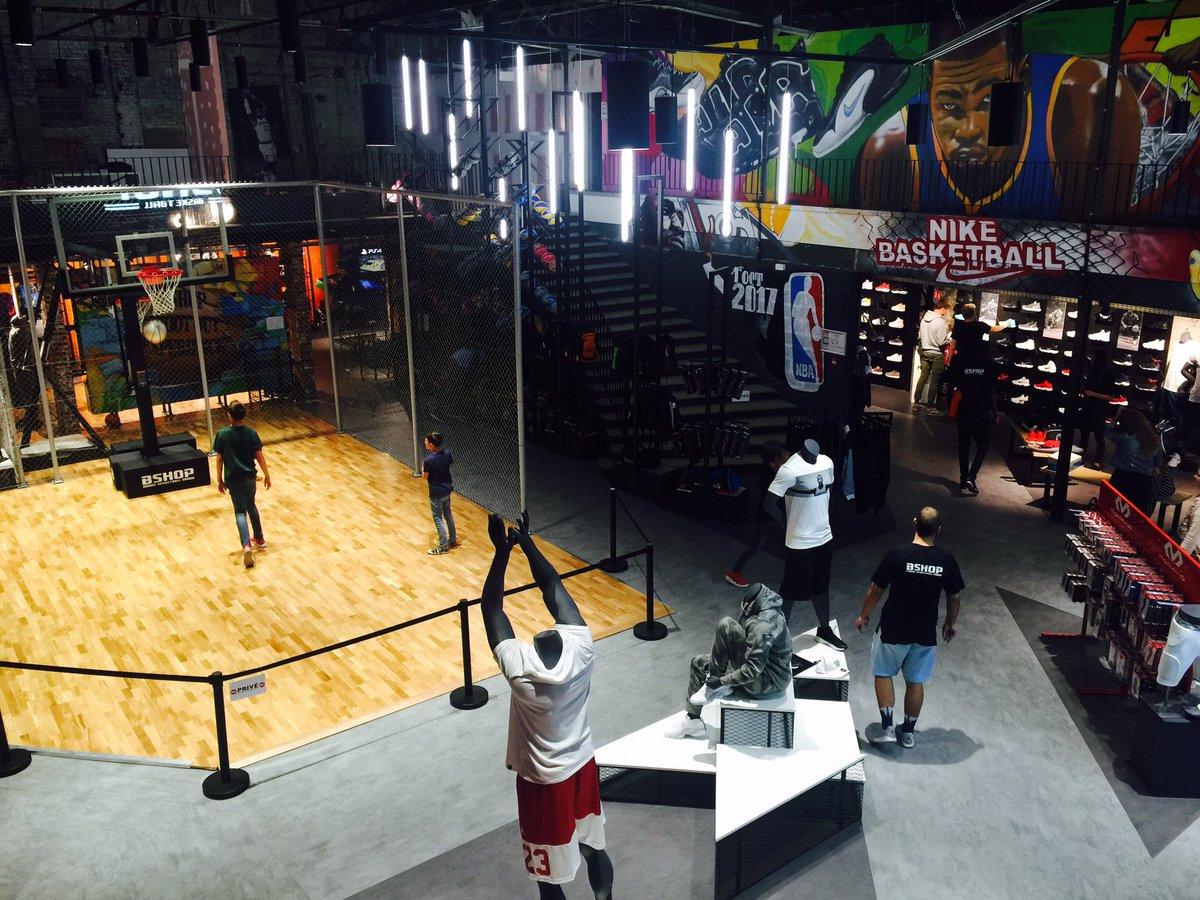 test Twitter Media - Plus grand magasin dédié au basket d'Europe, Bshop rencontre un véritable succès depuis son ouverture en mars rue Gambetta à Lille ! 🏀 https://t.co/bqBjLHAPVi
