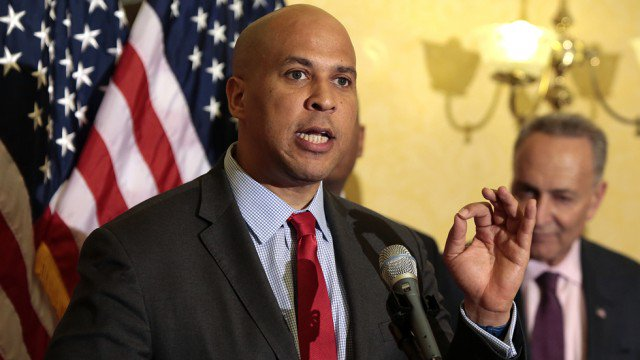 Booker to introduce bill removing Confederate statues from the Capitol https://t.co/BMMC8CeHrr https://t.co/HdHLDWlIkq