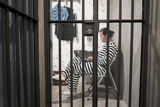 Bangkok hostel offers the feel of a real prison - ASEAN/East Asia