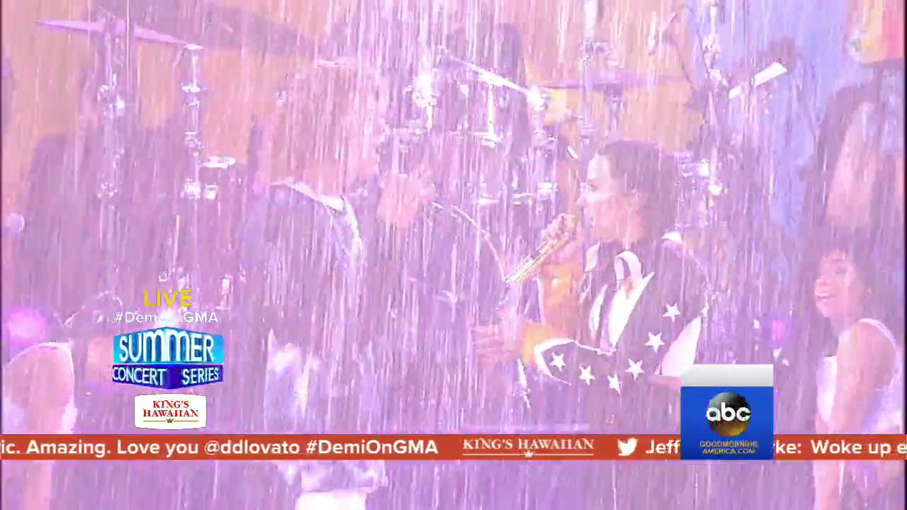 WATCH: @ddlovato and @CheatCodesMusic perform 'No Promises' on @GMA. https://t.co/jGJ0mfxdGD https://t.co/HeDgEJpz9i