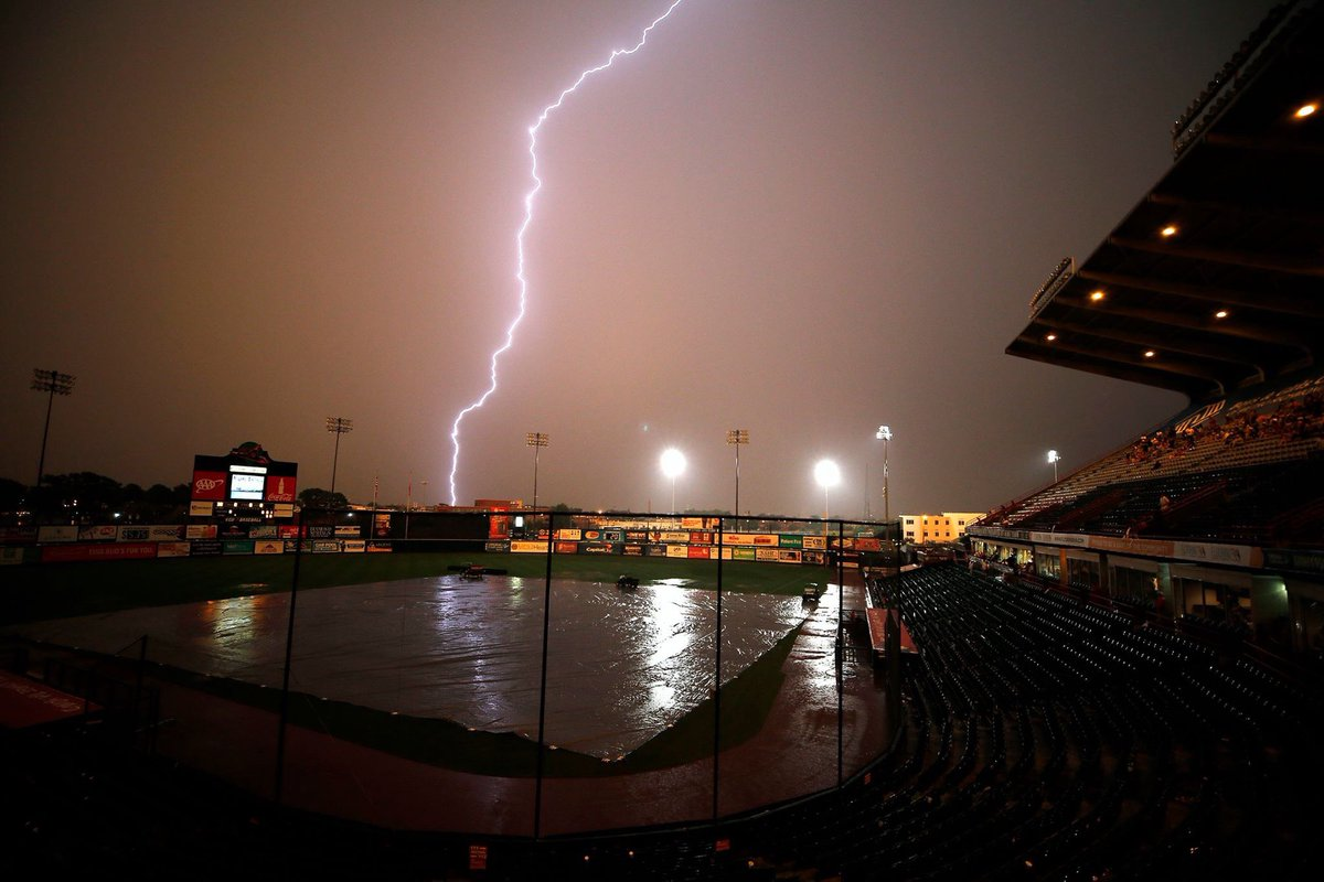 RT @RPDOfficerChris: AWESOME shot of tonight's storm during the @GoSquirrels rain delay!  Photo credit: Mark Gormus https://t.co/7Z6THV6HvJ