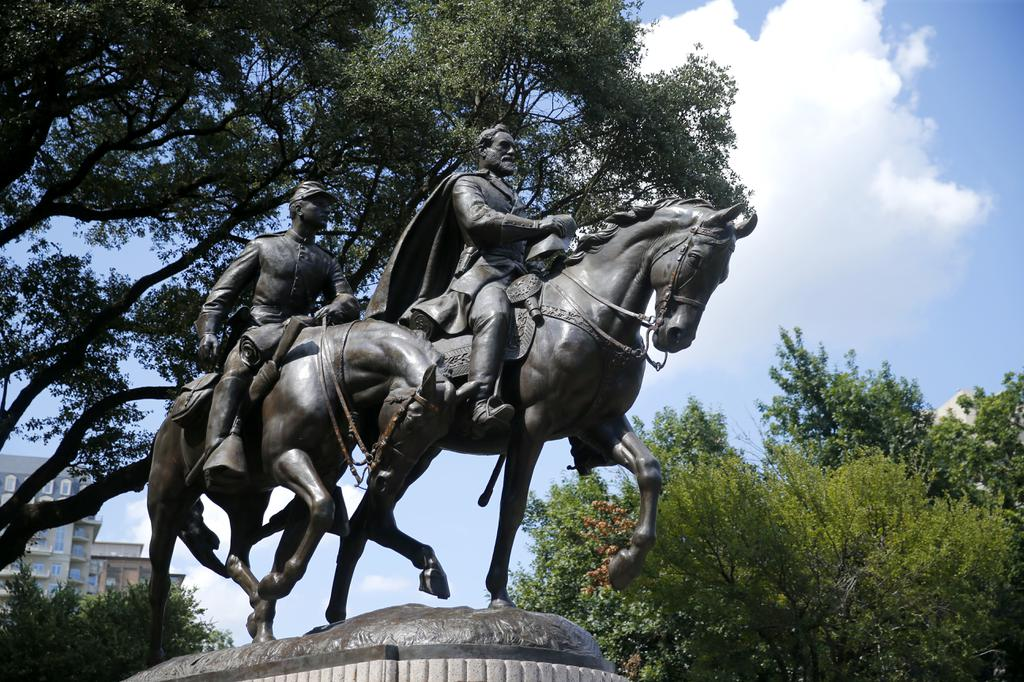 Updated: Dallas' black councilmen say remove statues to heal past