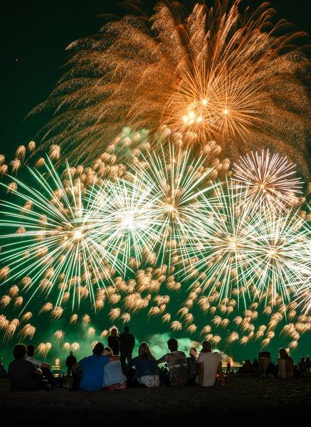 Vuurwerkfestival door met rouwrandje