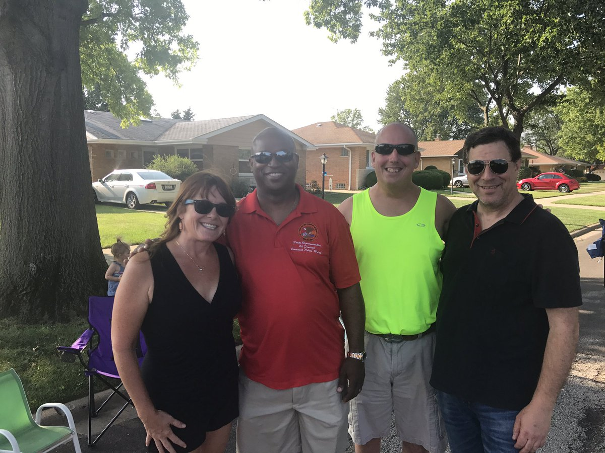 test Twitter Media - Beautiful evening for a block party in LaGrange Park.  Enjoyed chatting with residents and officials who are having #FunAroundthe7th. https://t.co/YdUFfLaTlE