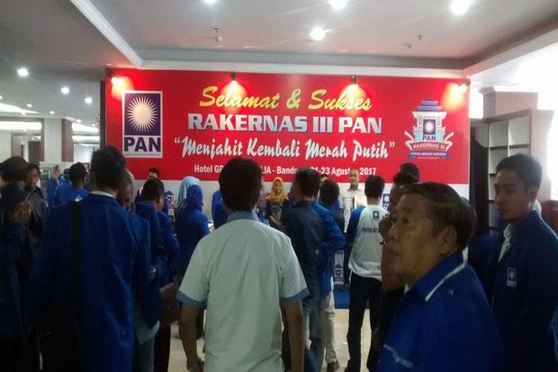 Ribuan Kader PAN Hadiri Rakernas Bandung https://t.co/KkO3vQbR5n https://t.co/OFE39QV12R