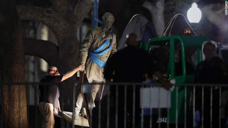 UT Austin quietly removed four Confederate statues overnight https://t.co/V0gyXED2Wx https://t.co/QYbl9xwogr