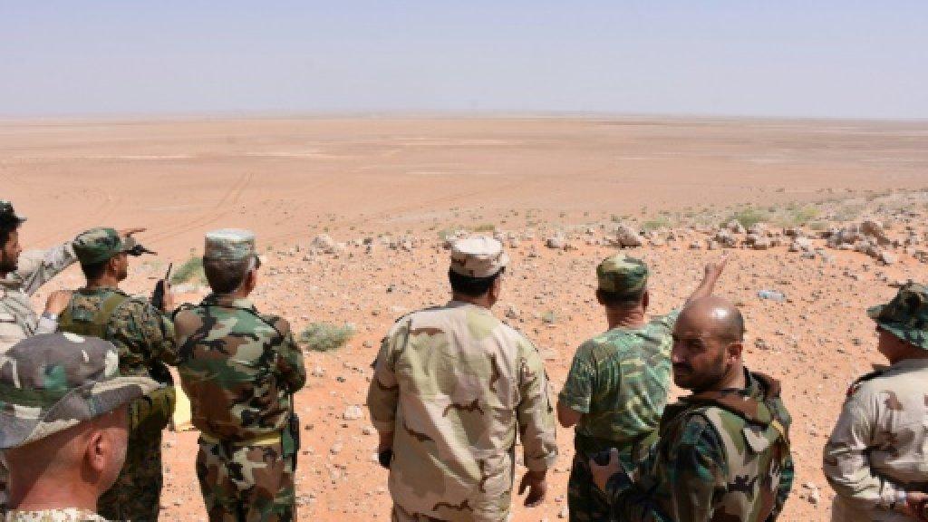 Deir Ezzor: Syrian government enclave under IS siege