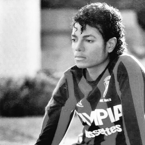 "Happy birthday michael jackson. he is probably the first celebrity i ""obsessed\"" over lmao."