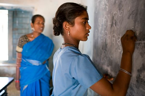test Twitter Media - A new @UNESCO report says that the #gender gap in science education is wide despite strides in parity. https://t.co/3uBCQyiOXT https://t.co/tr7oFLpSTL