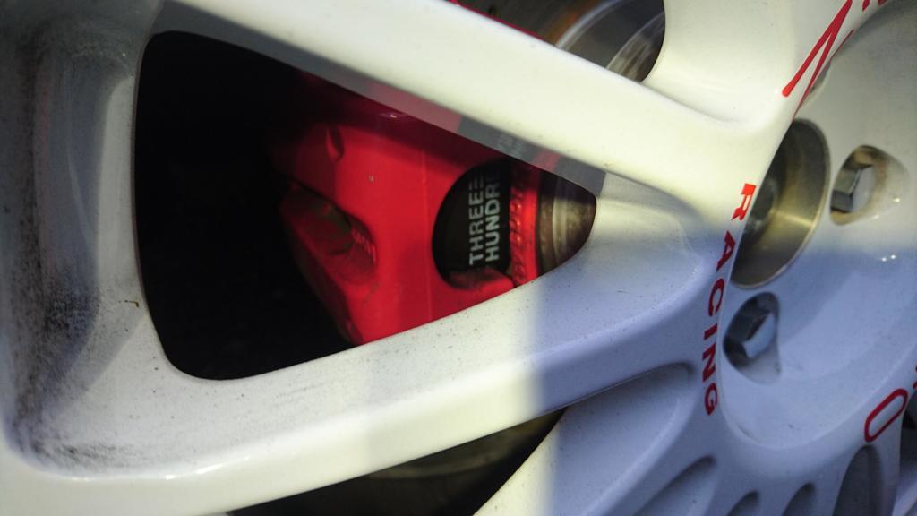 後ろのブレーキパットもだいぶ減ったので、スリーハンドレッド製のスポーツパットに変更❕❗