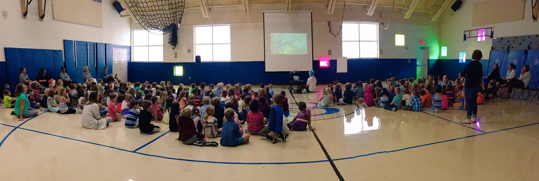 Students in K-2 listening to the author of 'Pout-Pout Fish', Dan Hanna. Thanks for visiting our #bristolbulldogs! #wgbuzz https://t.co/74rGqO8LLQ