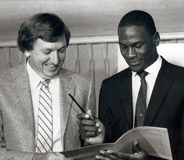 On this day in 1984, the #Bulls sign Michael Jordan. https://t.co/KzpJ4dSkm3