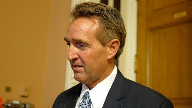 Dem pollster: Flake trailing by 27 points in GOP primary https://t.co/rvzBoy0uJv https://t.co/A69bk99q2Y