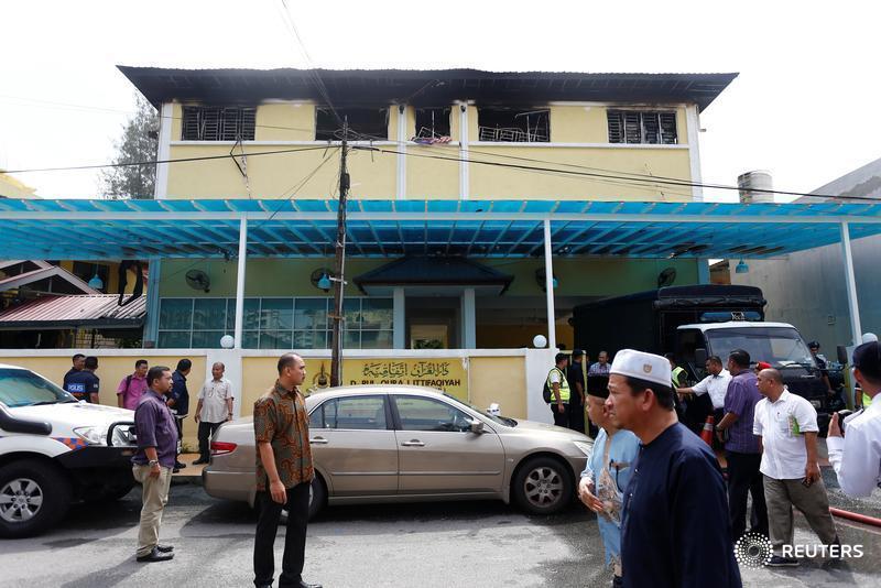 Boys 'cried from barred windows' as Islamic school blaze kills 23 in Malaysia https://t.co/SIStPL8KSA https://t.co/zyAI0oYTff