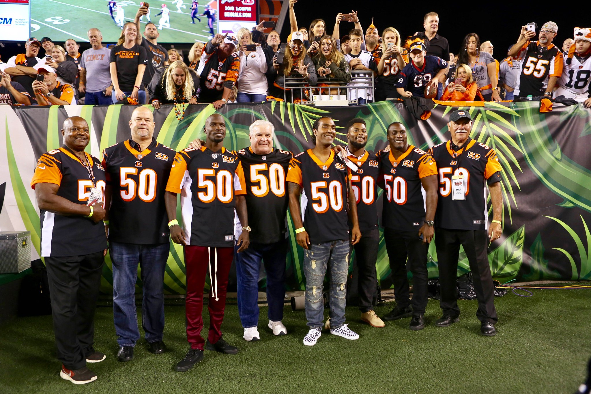 As part of our 50th Season, #Bengals Legends were honored at halftime.  #HOUvsCIN #Bengals50 https://t.co/c5bb3CBtkQ