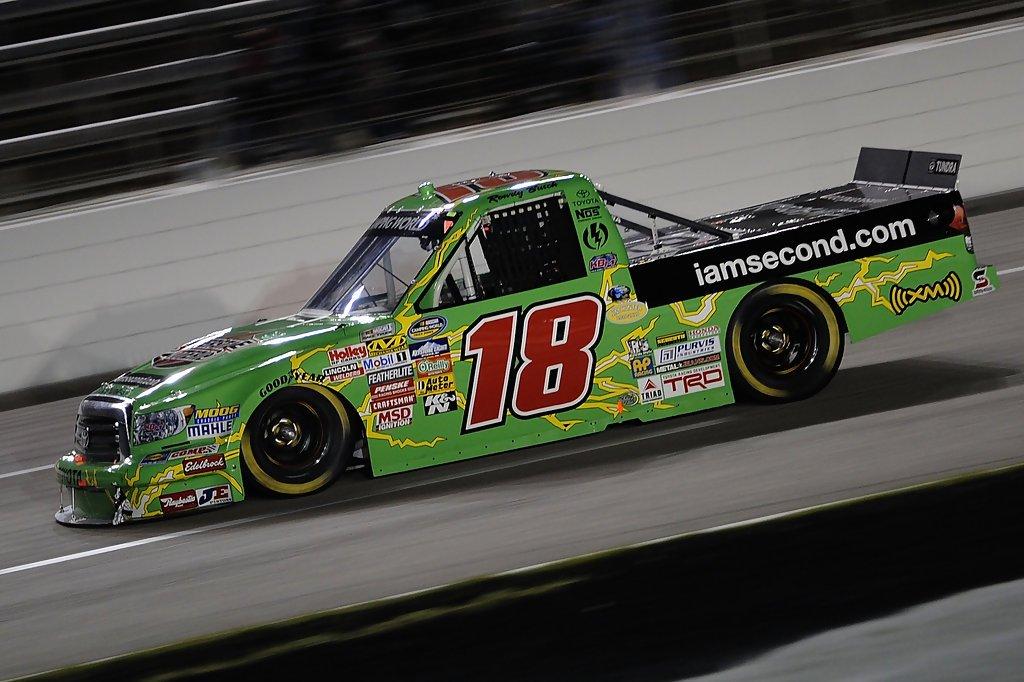 RT @NascarPaint: Kyle Busch, 2010 Texas 2 #NASCAR https://t.co/f2cQo8gs5O
