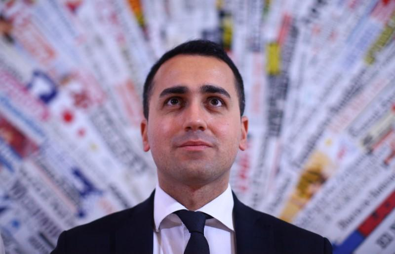 5-Star's young, popular Di Maio charts course to be Italy PM https://t.co/lPkaJSi9Ue https://t.co/Z0pkrSrCEG