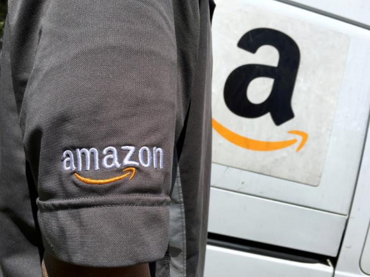 test Twitter Media - Amazon sends accidental gift email to shoppers due to glitch https://t.co/nQpoEeYMsa https://t.co/cfNoQvjR9t