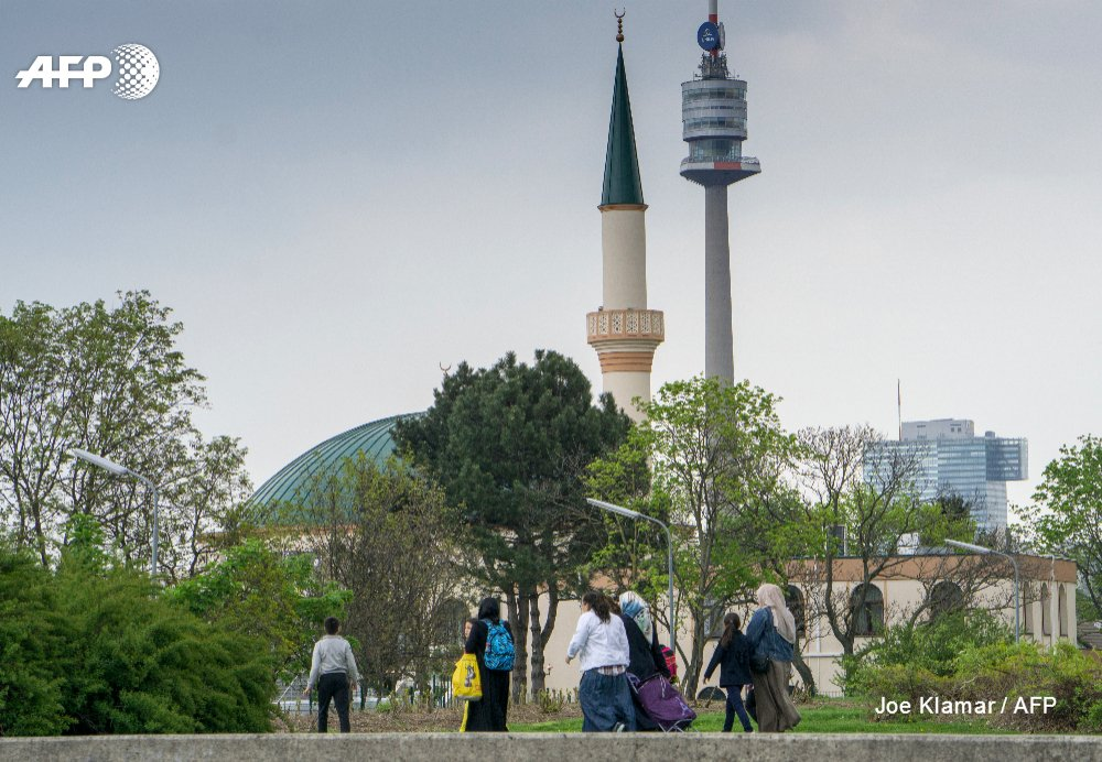 Muslims caught in Austrian election crossfire