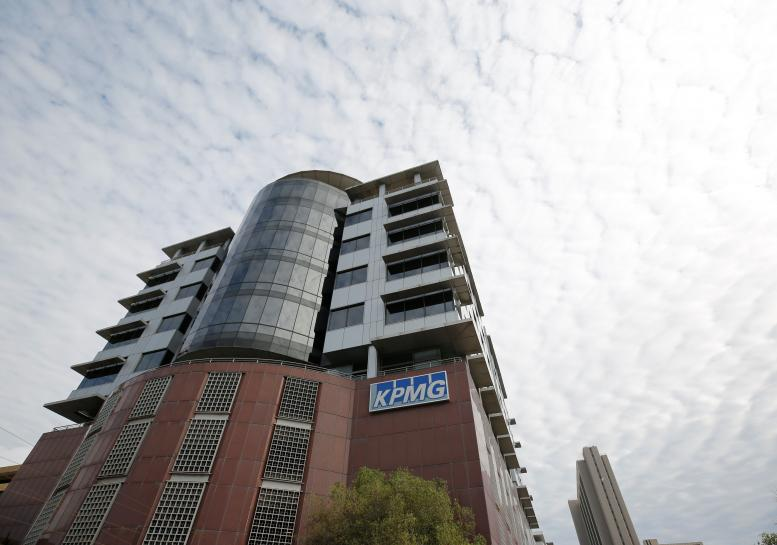 South Africa's finmin calls for criminal probe into KPMG