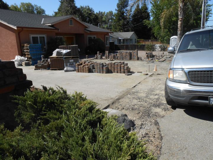 test Twitter Media - Another #driveway installation with #pavers in #Pleasanton, the result is gonna be fantastic! #Before #CharcoalTan https://t.co/G0kjHpSGDy
