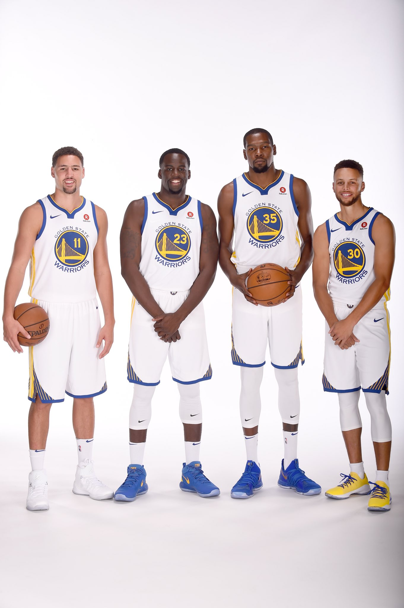 The CHAMPS are BACK!   #NBAMediaDay #GSWMediaDay https://t.co/zZBTrjhr7l