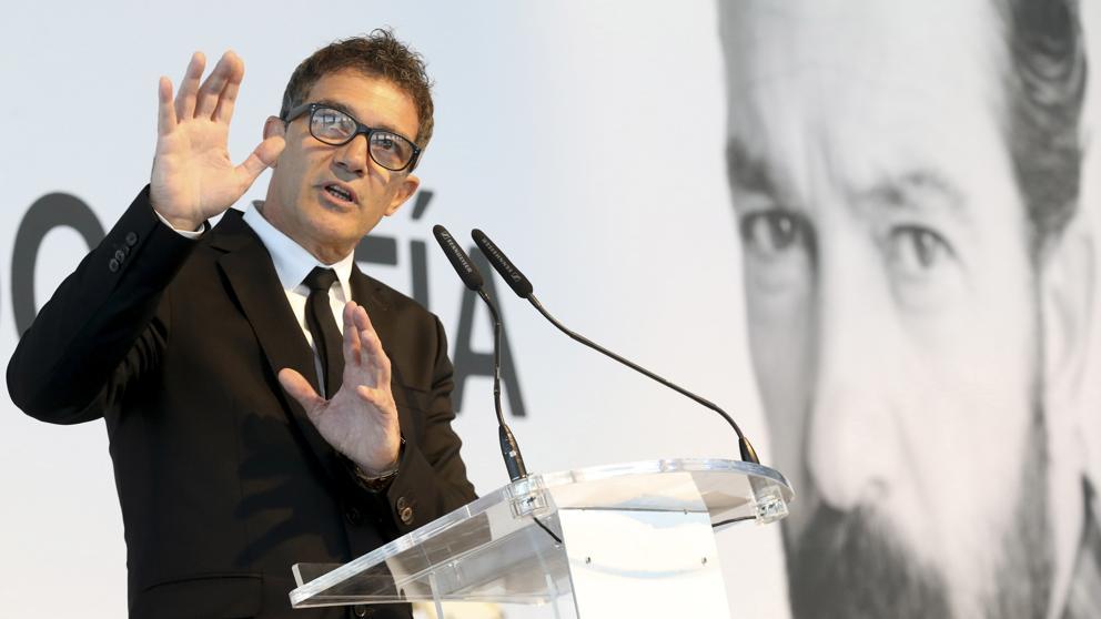 POLÍTICA    Antonio Banderas   sobre catalunya