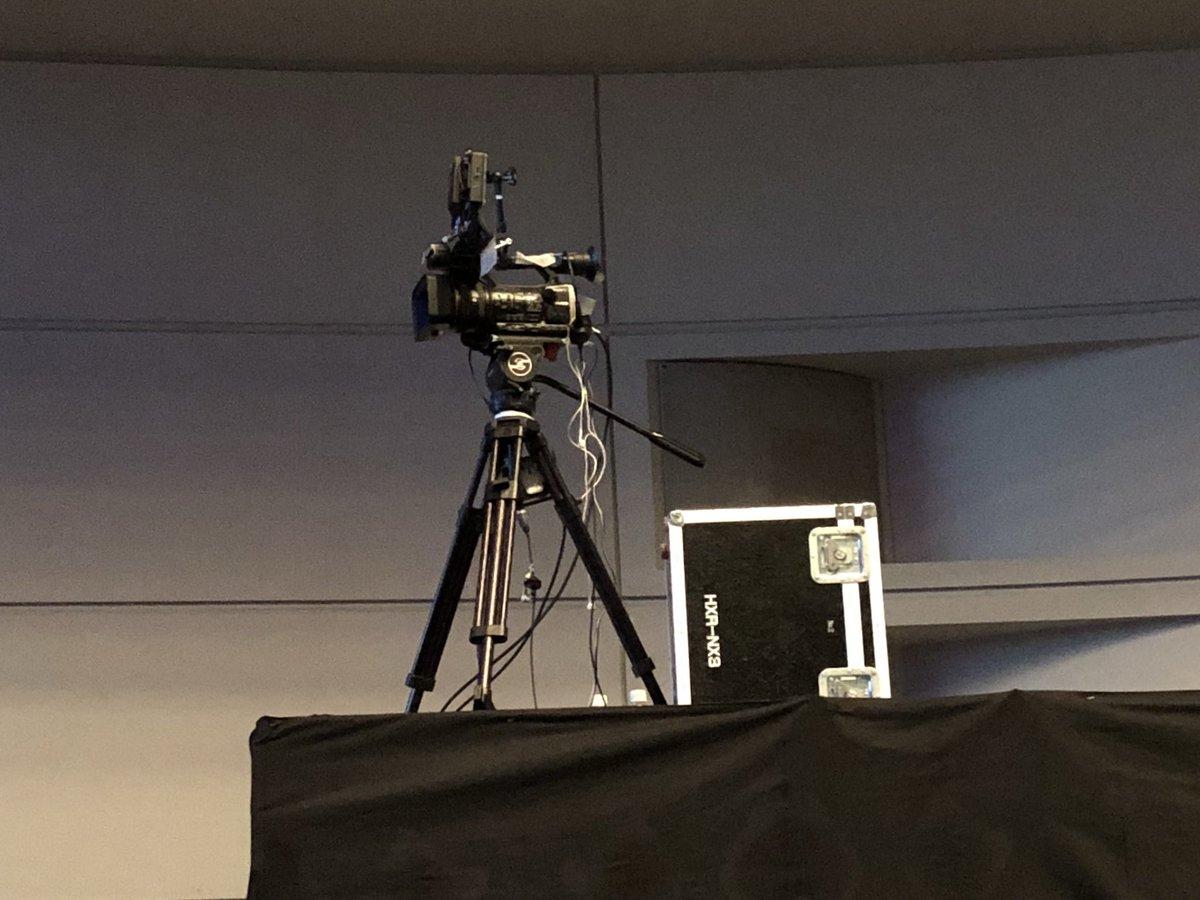 #イゼッタ エイルシュタット 秋の国民集会動画撮影するみたいだけど、BDは出終わってるし、何で出すんだろ アルバム集の特