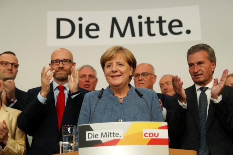 German Chancellor Angela Merkel wins fourth four-year term https://t.co/c9UqTGbHeo https://t.co/YJZE2w2eMU