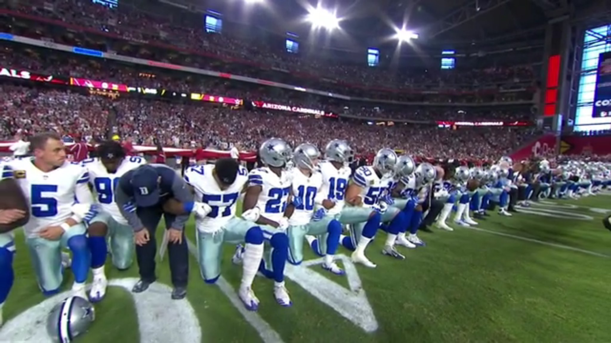 The entire Cowboys team kneeled together -- *before* the anthem -- to make a statement about unity https://t.co/ZV9W8PpotE