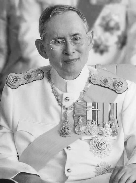 RT @Nalinee_PLE: สถิตในดวงใจตราบนิจนิรันดร์ #คิดถึงพ่อ #รักในหลวง #KingRama9 #KingBhumipol https://t.co/G633HthY5Y