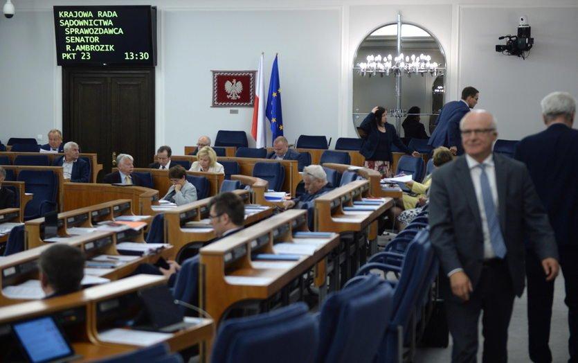 Senatu