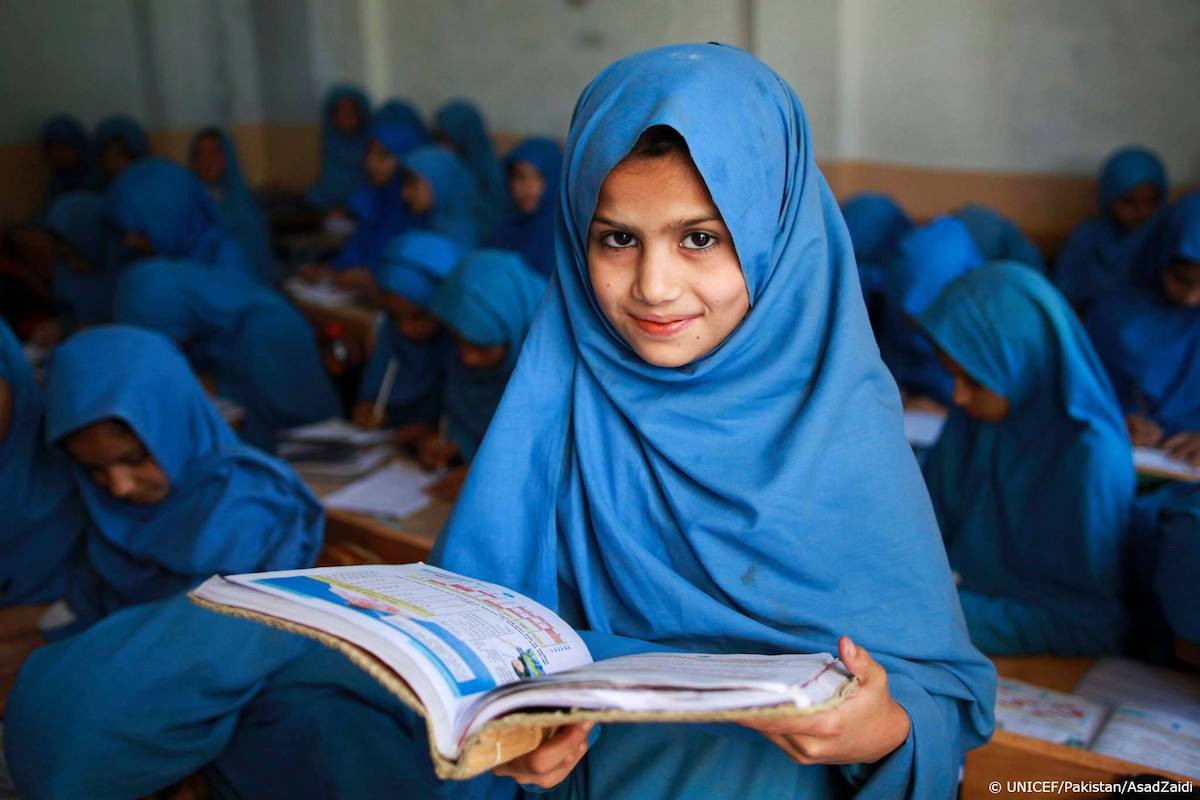 Today a reader, tomorrow a leader.  #FreedomForGirls is education.  #DayoftheGirl https://t.co/xF14KleAjf