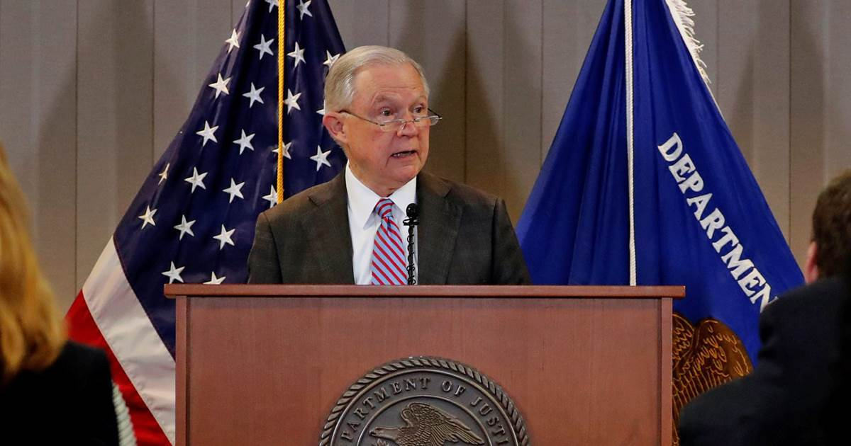 AG Jeff Sessions targets four 'sanctuary cities' for punishment https://t.co/dH79KSREQb https://t.co/sRJ9bn27z0
