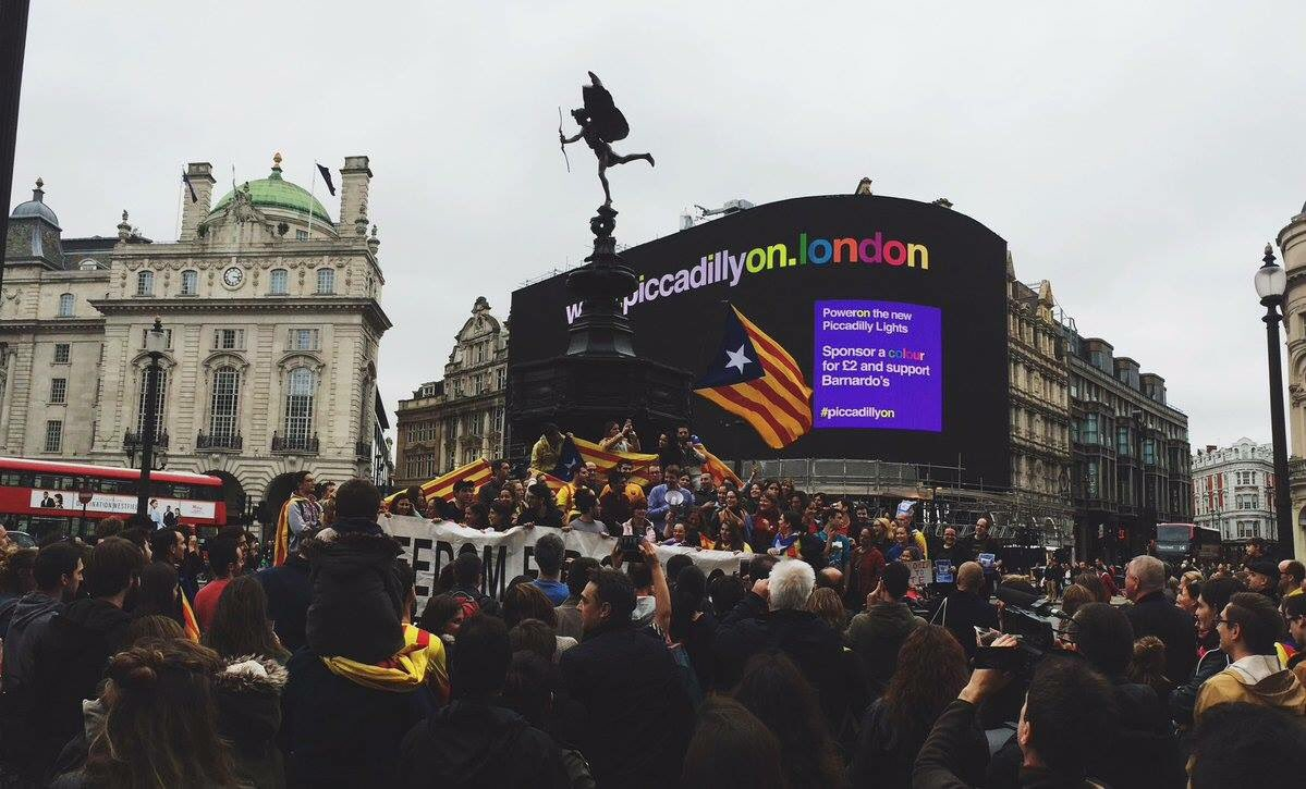RT @totalBarca: Pro Catalan demo in London today. https://t.co/n5gu6gOG6m