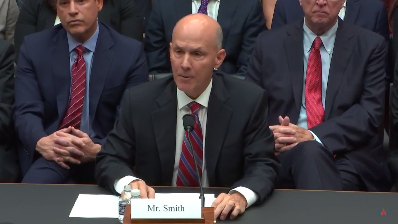 Former Equifax CEO faces Congressional probe into data breach https://t.co/dPx8cVs5Oc https://t.co/DvLwGPnU4A